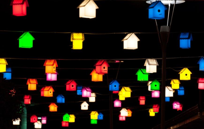 Ночью на центральной площади Гечика