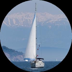 Яхта и горы