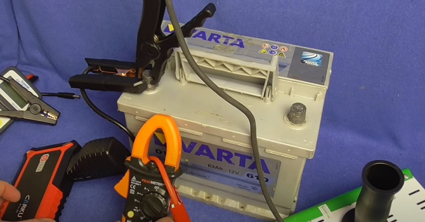 Аккумуляторная батарея 12В Varta D15 63 Ач